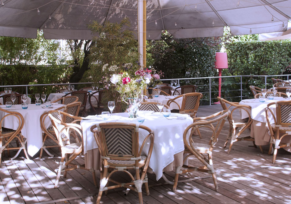 terrasse-villa-9-trois-restaurant